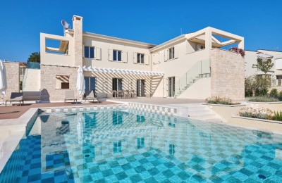 Villa in Markovac - Visnjan with a beautiful view of vineyards, olive groves and the sea